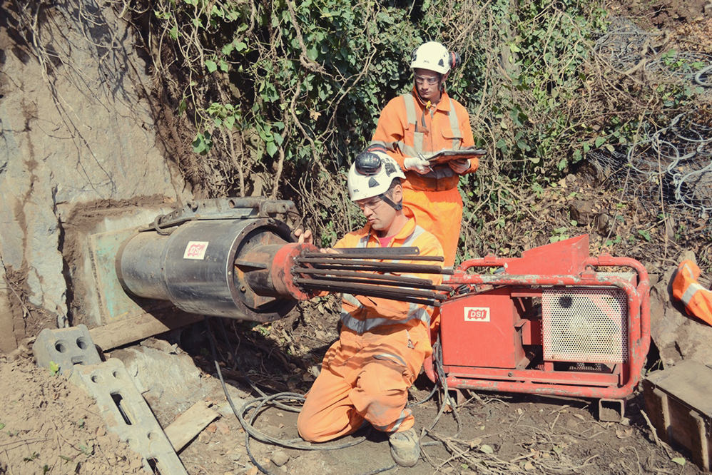 Tie bars and ground anchors installation