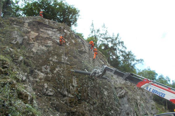 Emergency Highway Rock Stabilisation using passive rockfall netting - Via Gellia